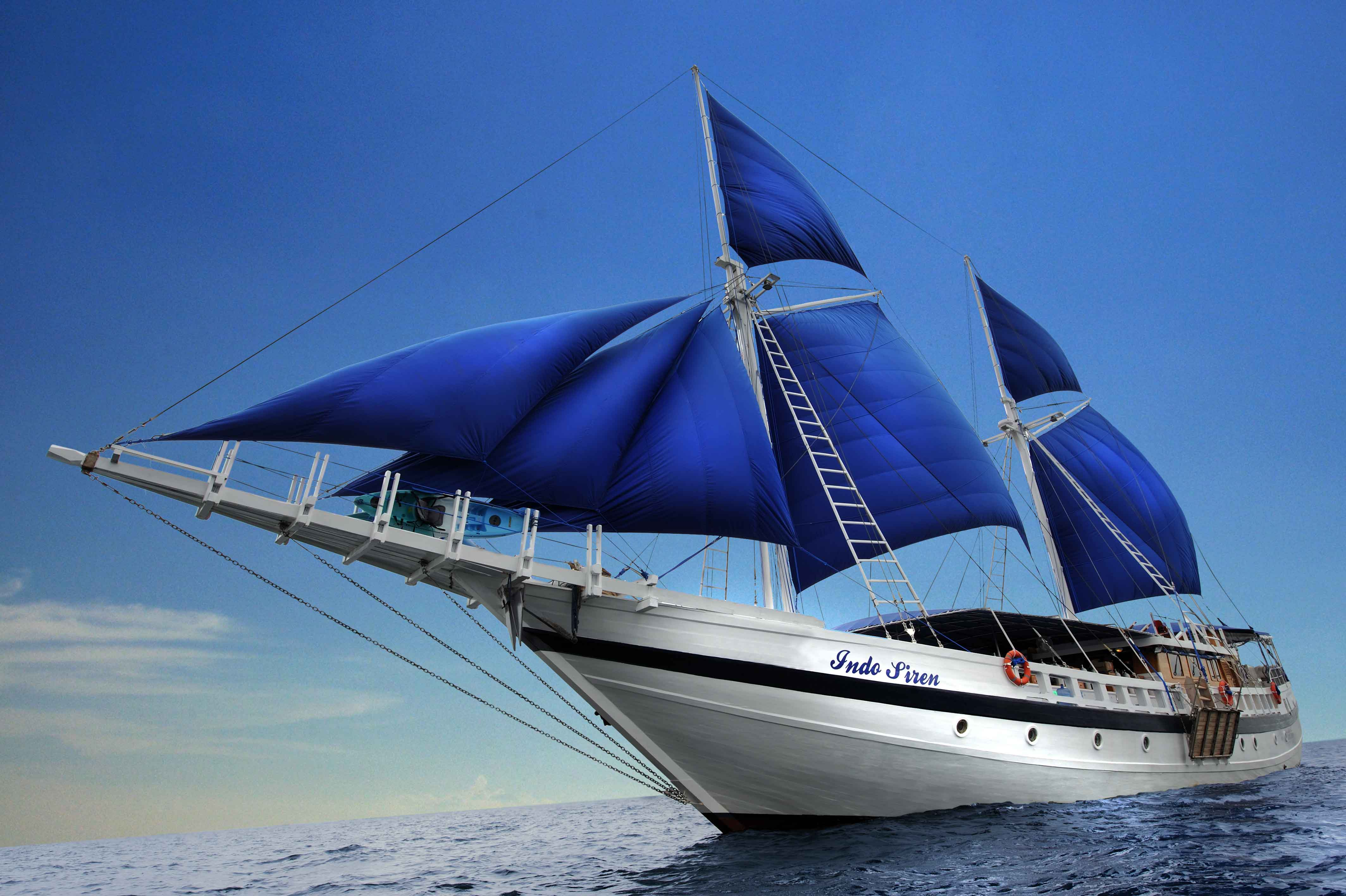 Indo Siren Komodo Liveaboard Dive Vacation